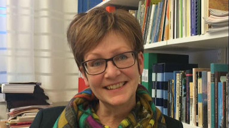 Satu Gröndahl, Ruotsinsuomalaisten Kirjoittajien yhdistyksen puheenjohtaja. FOTO: Marjaana Kytö, Sveriges Radio Sisuradio.