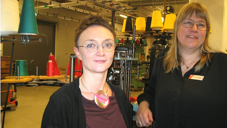 Boråsin tekstiilimuseon projektijohtaja Johanna Engman ja museonjohtaja Ulrika Kullenberg. Kuva: Teija Martinsson.