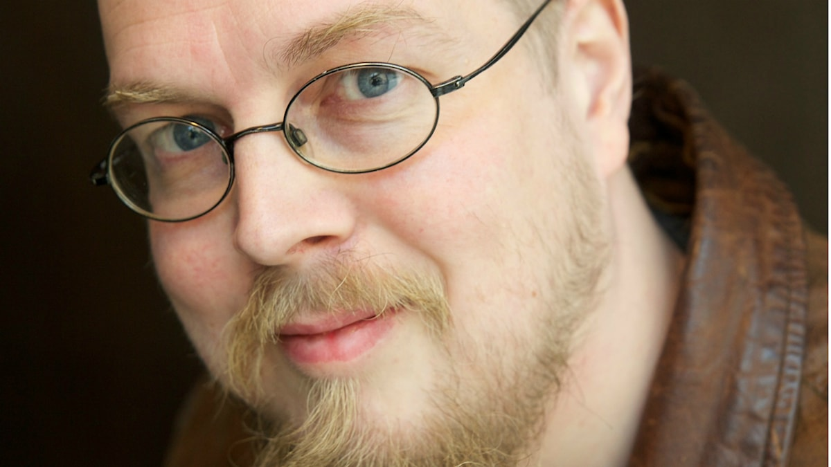 Kirjailija Tuomas Kyrö. Pressikuva: Siltala Publishing. Kuva: Laura Malmivaara