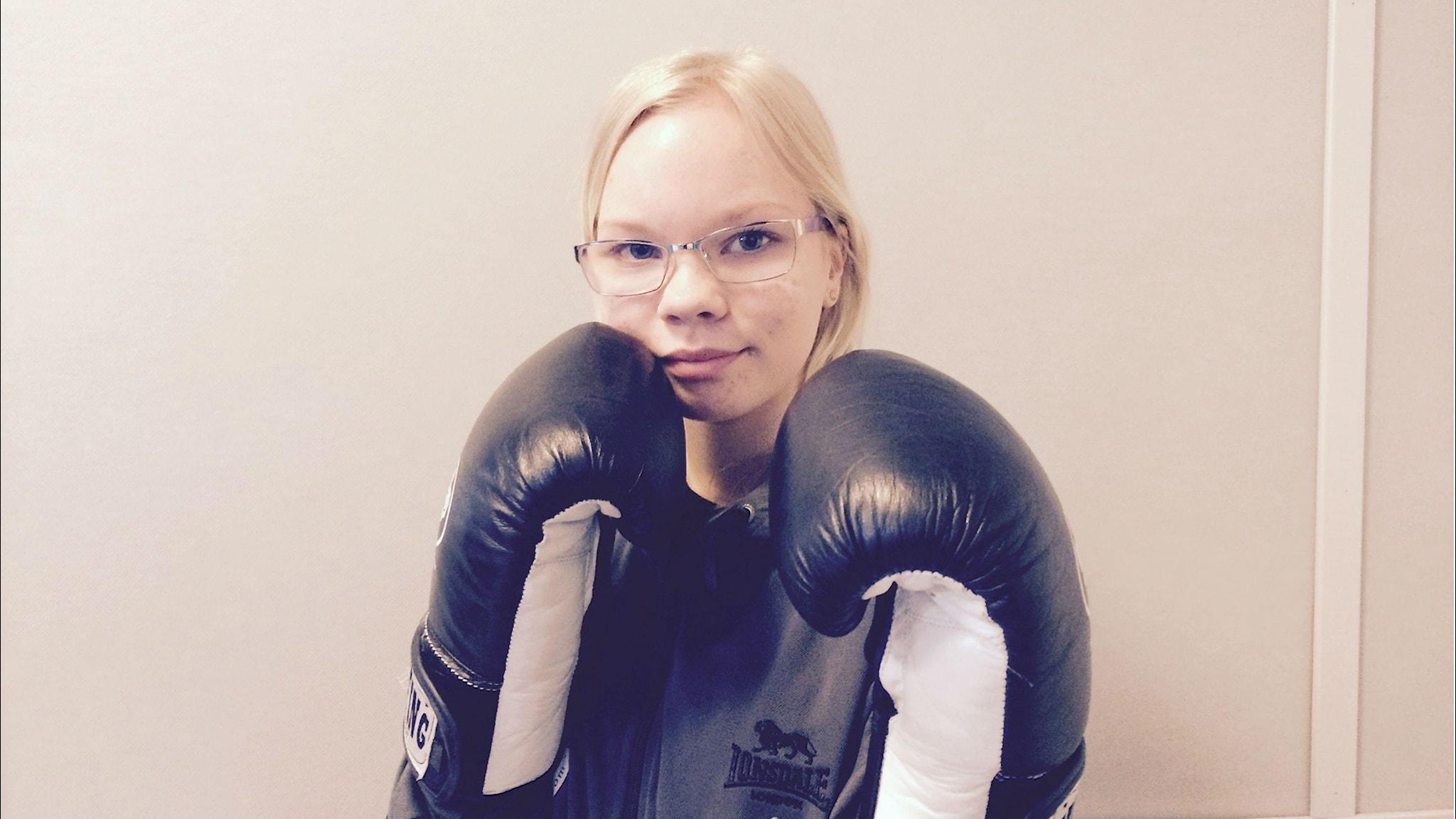 Emma Rainansalo lyö lujaa. Kuva/Foto: Jorma Ikäheimo/Sveriges Radio Sisuradio.