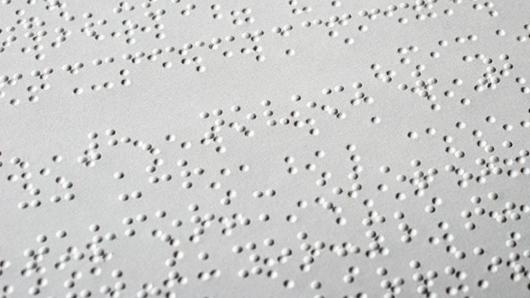 Punktskrift även kallad Braille. Foto: Ralph Aichinger