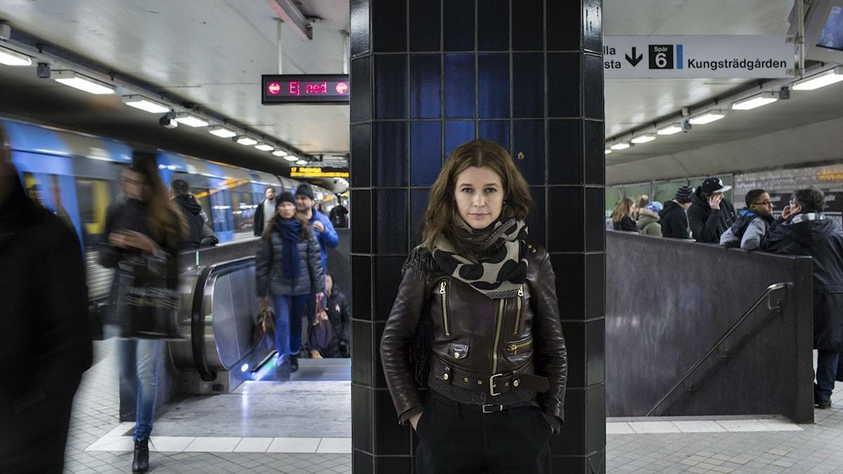 Elina Kervinen Tukholman maanalaisessa. Kuva/Foto: Denis Sinjakov.
