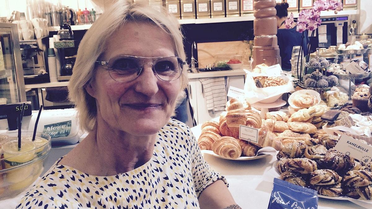 Paula Pohjakallio ja pullat. Kuva/Foto: Jorma Ikäheimo/Sveriges Radio Sisuradio.