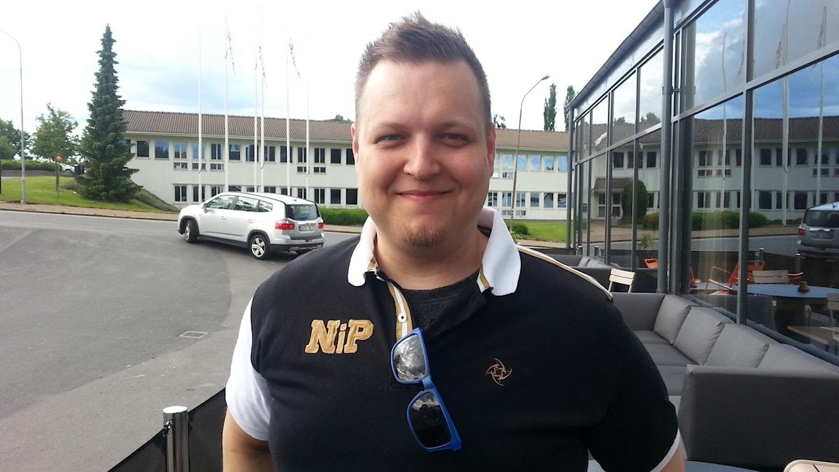 Joona Leppänen, Ninjas in Pyjamas-joukkueen valmentaja. Foto Pekka Ranta, Sveriges Radio.