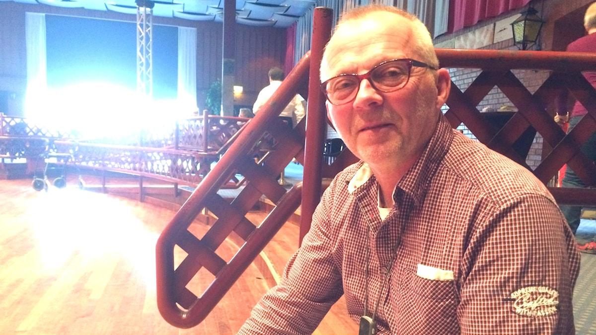 Bo Hansson istuu luentosalissa Borlängessä.