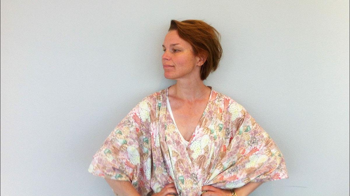 Anna Järvinen työskentelee kielten kanssa myös ruotsin ja englannin opettajana. Kuva: Veera Jussila / SR