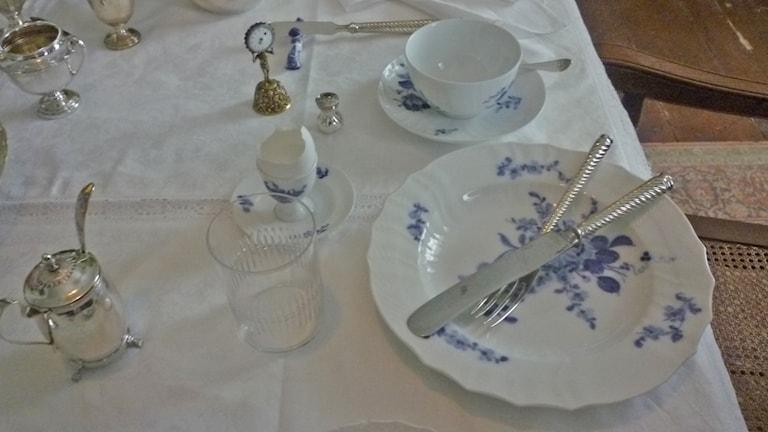Aamiaispöytä on katettu