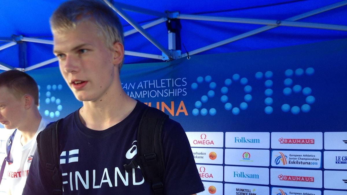 Niko Koskinen, silvermedalj i stavhopp i junior-EM.