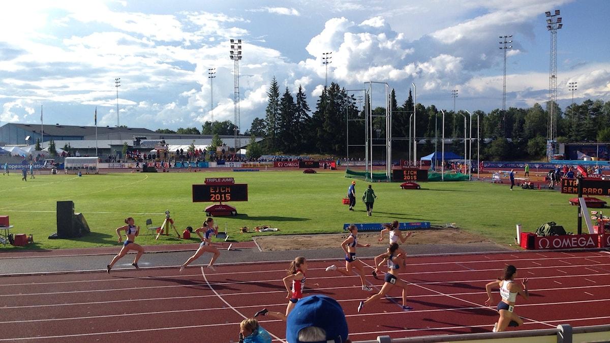 Tävling igång under Junior-EM i Eskilstuna.