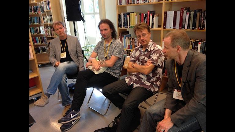 Kirjailijat Mårten Westö,Tomi Kontio,Janne Ora ja Jyrki Vainonen. Foto Pirjo Hamilton.SR Sisuradio