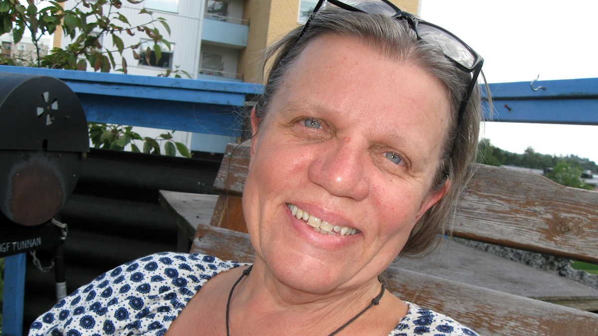 Vasemmistoliiton kunnanvaltuutettu Anne Rapinoja haluaa eroon muovikasseista Boråsissa.