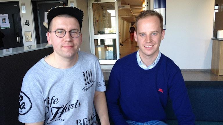 Sebastian Tynkkynen (Finsk Ungdom) ja Gustav Kasselstrand (Sverigedemokratisk Ungdom) Foto: Helena Huhta / Sveriges Radio