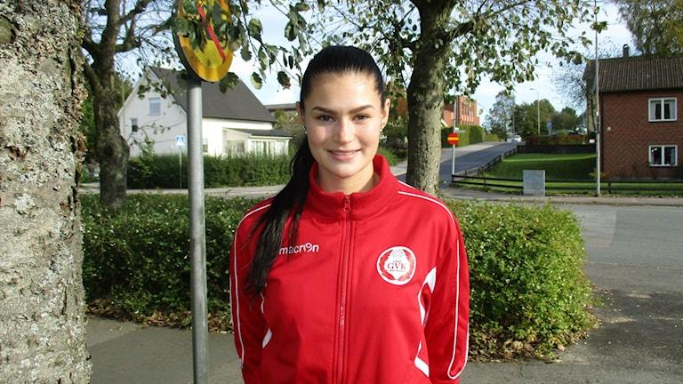 Hanna Salomäki on lentopallon ammattilainen Gislaved Volleyssä. Kuva Pekka Ranta, Sveriges Radio.
