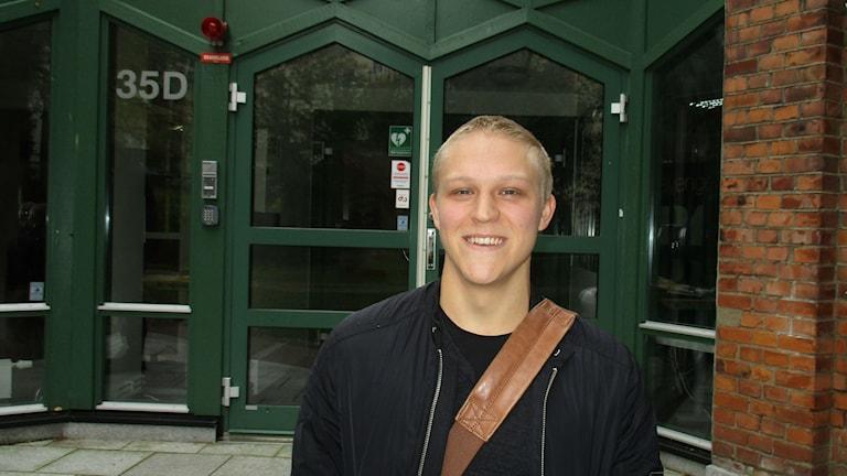 Joakim Forsman pelaa koripalloa Brahen joukkueessa, hänen pelipaikkansa on guard. Kuva Pekka Ranta, Sveriges Radio.