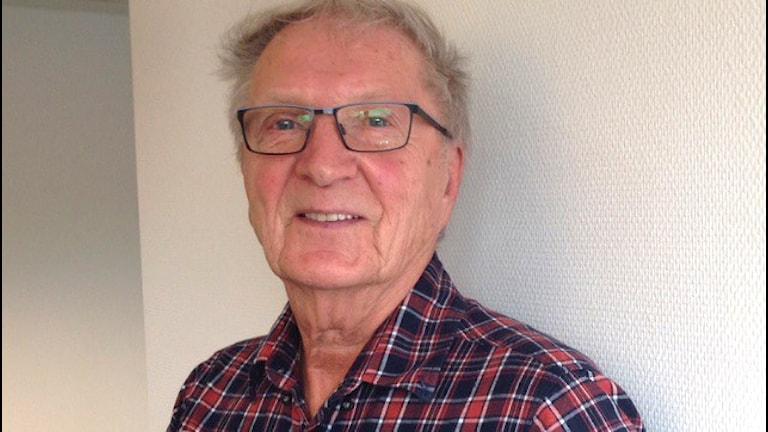 Kirjoittaja, kustantaja Aulis Kytömäki, Eskilstuna
