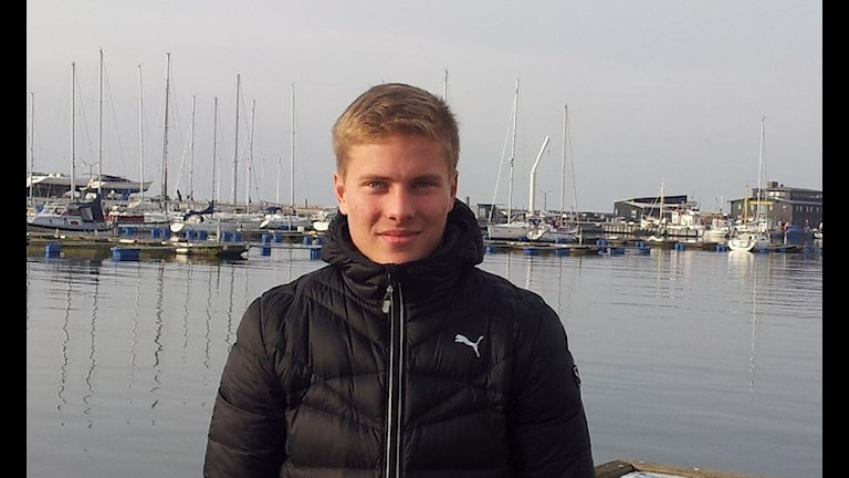 Jere Uronen on Helsingborgin venesatamassa/Foto:Jyri Markkula, Sveriges Radio Sisuradio