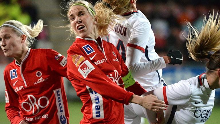 KIF Örebro gav allt, Sanna Talonen och Elin Magnusson i Champions Leaguematch mellan KIF Örebro och Paris Saint-Germain på Behrn Arena. Foto: Conny Sillén/TT