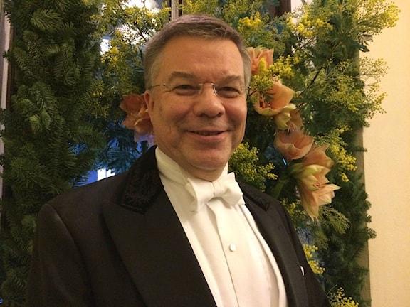 Professori Juha Kere valitsee Nobel -palkinnon saajia. Kuva: Kaarina Wallin/Sveriges Radio SisuradioJuha Kere professori Kuva: Kaarina Wallin/Sveriges Radio Sisuradio