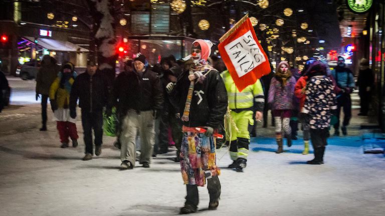 Loldiers of Odin marscherar mot rasism. Foto: Loldiers of Odin