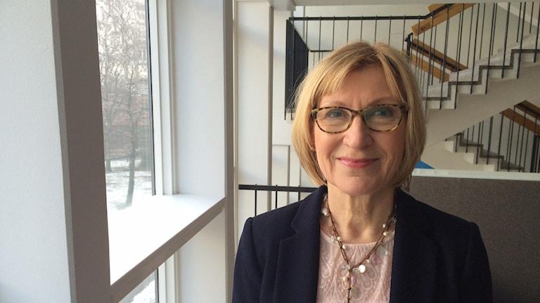 Pirjo Axelson-Johnson, kansainvälisten naisten kerhon puheenjohtaja, Iltapäivän vieraana. Foto: Niki Bergman/Sveriges radio Sisuradio