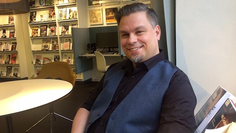 Kirjailija Tommi Kinnunen. Foto: Virpi Inkeri/SR