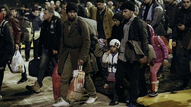 Kuvssa Kreikkaan saapuneita pakolaisia. Kuva/Foto: Kostas Tsironis/AP/TT