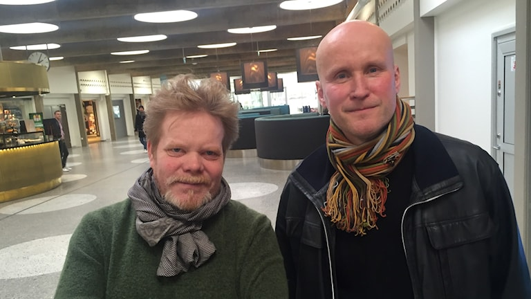 Severi Pyysalo ja Niklas Winter Radiotalon aulassa.