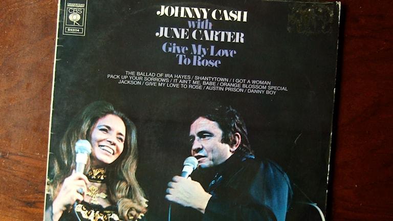 LP-skiva. Johnny Cash & June Carter - Give My Love To Rose