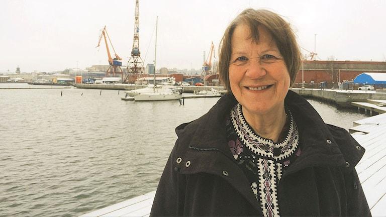 Runonlausuja Aino Hastell Göteborgista.