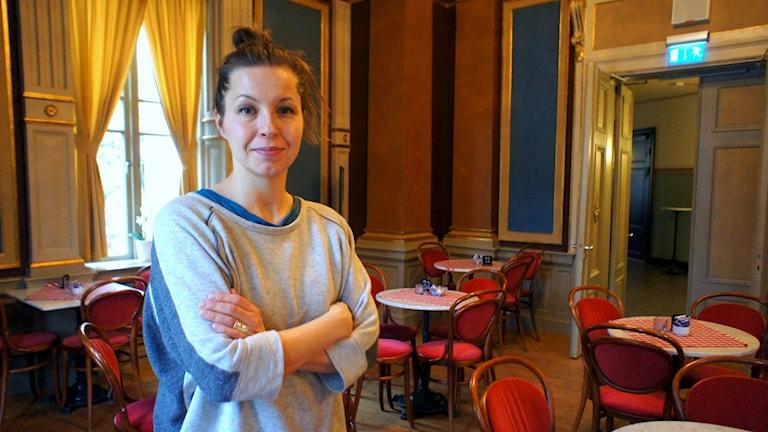 Koreografi Susanna Leinonen kiertää See - Obey -teoksensa kanssa Ruotsia.