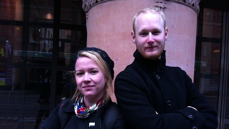 Kuvassa Johanna Nordblad Sirkka Met Nuoret-järjestöstä ja Dennis Barvsten Ruotsinsuomalaisten nuorten liitosta.