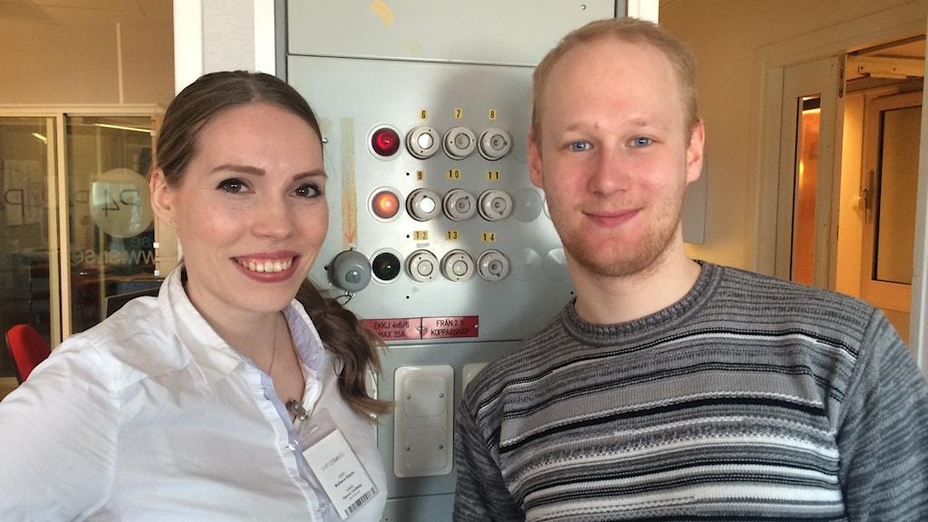 Ruotsinsuomalaisten Nuorten liiton Matleena Siipola ja Dennis Barvsten.