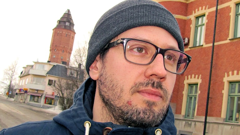 Elokuvaohjaaja Fredrik Oskarsson.