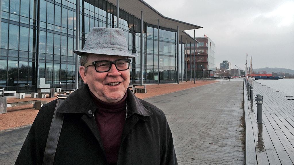 Göteborgilainen esikoiskirjailija Leo Ylitalo.