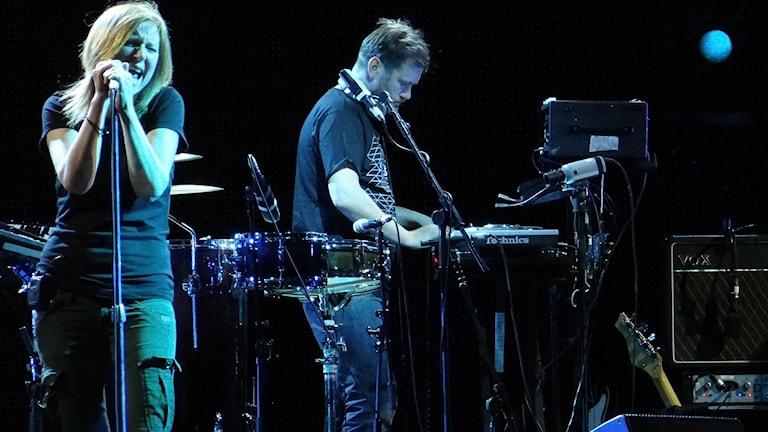 Portishead esiintymässä Italiassa 2012.