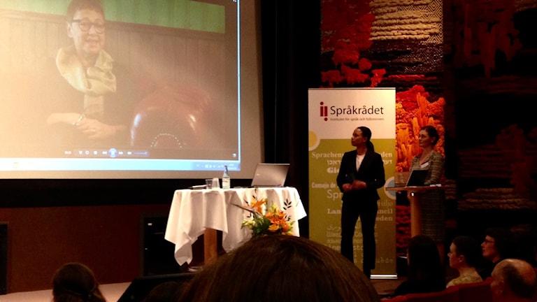 Minoritetsspråkpristagare 2016 Susanne Sznajderman Rytz tackar