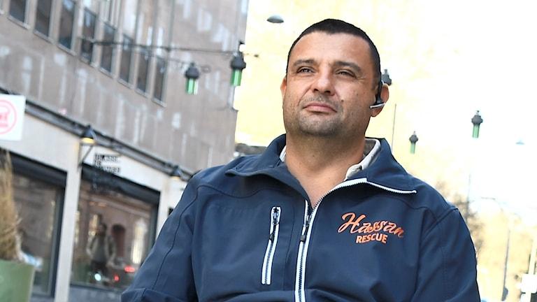 Hassan Zubier blickar ut över staden