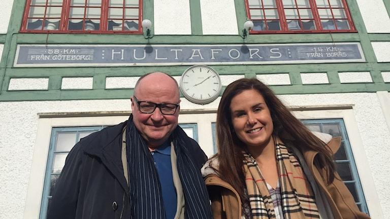 Marika ja jorma Hultaforsin asemalla
