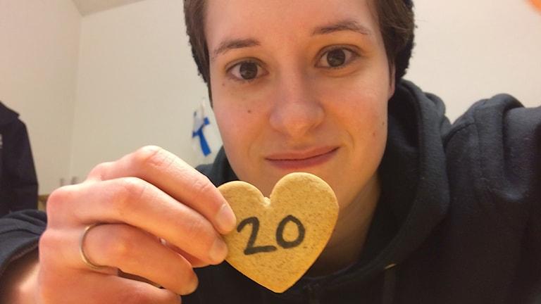 Veronica pitelee piparia, jossa numero 20.