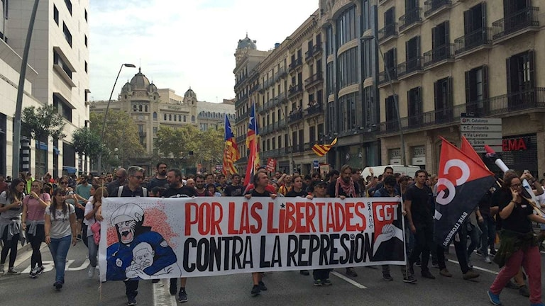 Mielenosoituksia Barcelonassa Katalonian itsenäistymisen puolesta.