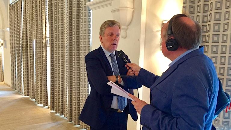 Esko Aho kävi Tukholman Suomi-instituutilla puhumassa EU:n tulevaisuudesta.