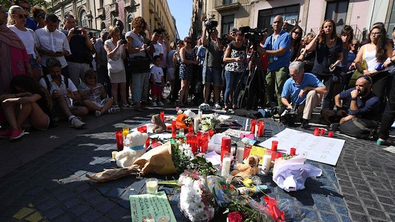 Barcelonan torstaisessa iskussa kuljettaja ajoi pakettiauton väkijoukkoon La Ramblan kävelykadulla.