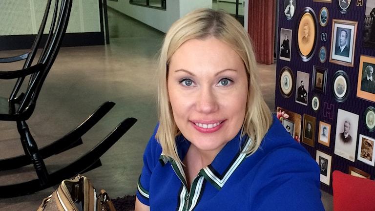 Ylen Aamu-TV:n juontaja ja bloggari Sanna Ukkola