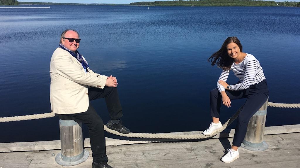 Iltapäivän juontajat Jorma Ikäheimo ja Marika Pietilä edustalla.