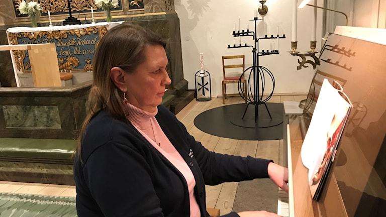 Tukholman suomalaisen seurakunnan kanttori Merja Aapro