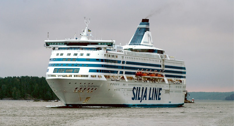 Silja Symphony alus matkalla Furusundsledenillä.