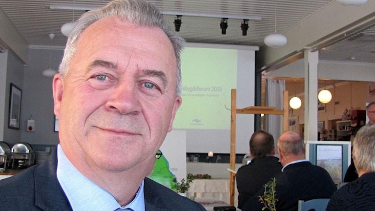 Norlantilainen maaseutuministeri Sven-Erik Bucht (S).