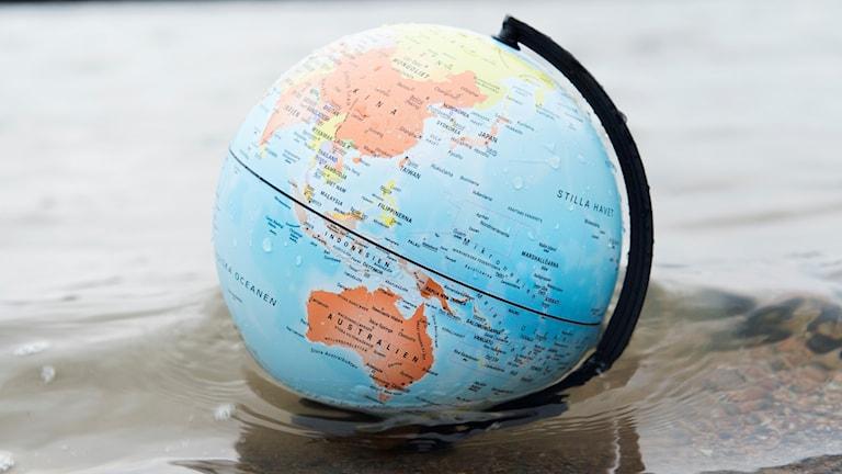 Jordklot i vattnet