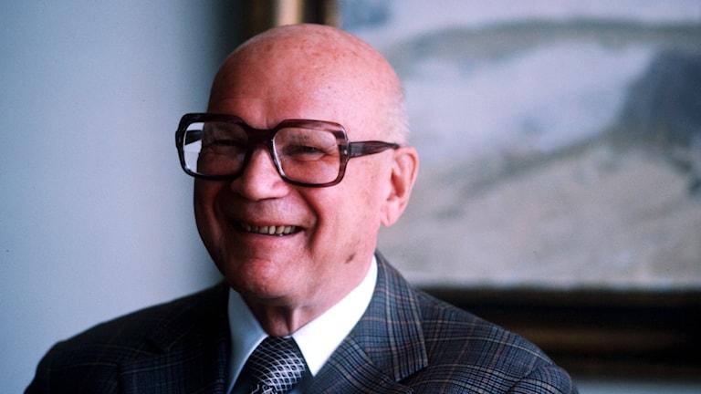 Urho Kekkonen, en skallig man med glasögon