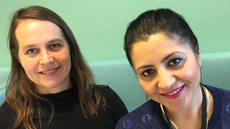 Helene Löwgren ja Emilia Huczko työskentelevät romaniasioiden kanssa Uppsalan kunnassa.